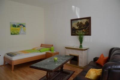 Wohnraum + Zusatzbett
